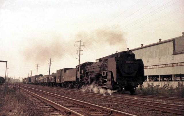 河内の蒸気機関車 Steam near Os...